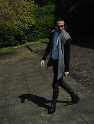 Enmanuel Oliveira - River Island Cape, Reiss Shirt, Topman Leather Trousers, Topman Chelsea Boots - Sunday, 13th, March