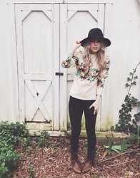 Mary Ellen Skye - Sheinside Floral Top, Free People Hat -  Boquette of flowers