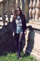 Beatrice Costanzo - H&M Blazer, Collar Necklace, Chanel T Shirt, American Apparel Denim Shorts, H&M Chunky Cut Out Boots - Best place