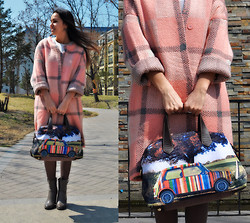 Lilia Kibalchich - Paul Smith Bag, Forever 21 Boots - Pink coat