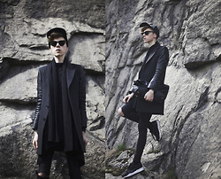 Mikko Puttonen - Marc By Jacobs Cap, Jacket, Calvin Klein Bag, Puma Shoes, Cos Cardigan - Monochromic