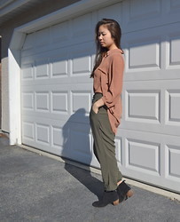 Nicole Wong - Forever 21 Top, Garage Pants, Aldo Boots - Imnicolewong.blogspot.ca