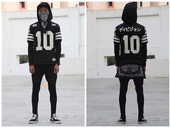 Syafiq Herman - 10 Deep League X, Vans Highcut, Supreme, Uniqlo Sweater Hoodie, Black Leggings, Black Shorts, Black Bandana - KILLERSHOT