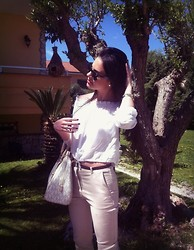 Amalia R - Michael Kors Vanilla, H&M White Crop Shirt, Zara Pant, Ray Ban Sun Glasses, Casio Watch, Guess? Ring - Easter Outfit