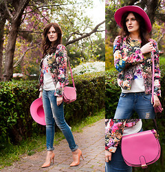 Viktoriya Sener - Chic Wish Jacket, Wholesale7 Top, Bershka Jeans, Zara Pumps, River Island Hat, Banggood Bag - BIRD OF PARADISE