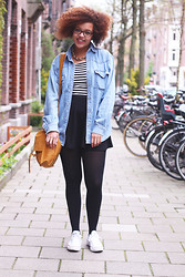 Roos A - Skirt, Denim Blouse, Crop Top, Leather Bag, Converse - Skater skirt