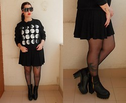 Black Rose - Frontrowshop Moon Sweater, Giant Vintage Sunglasses Glasses, Jollychic Boots - Killing moon