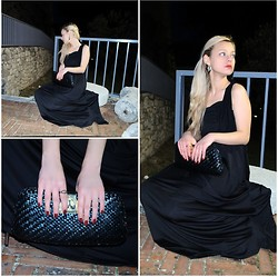 Teresa Morone - Wholesale Dress.Net Maxi Dress, Vintage Ring, Swarovski Ring, Sodini Earrings, Westrags Shoes - Black maxi dress