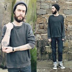 Tony Stone - Levi's® Black Sweater, Levi's® 511 Indigo Rigid - Sea and Sand