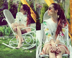 Alicja Waligóra - Sheinside Sweatrshirt - Rocking chair in my garden