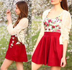 Ariadna Majewska - Romwe White Floral Corset Top, Oasap Red Flared Skirt, Awwdore White Lace Cardigan - Smell of spring