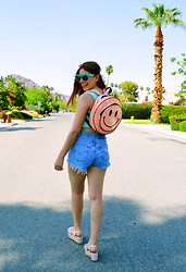 Fernanda Lily Amaya - Nasty Gal Bag, First Of A Kind High Waist Shorts, Lf Store Crop Top, Diy Sunglasses With Flowers - Smile