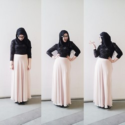 Lina Hussein - H&M Lace Top, Forever 21 Maxi Skirt - Meet my baby pink chiffon swooshy skirt