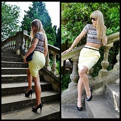 Paulina Kora -  - Yellow skirt!