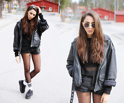 Malin E. - Thrift Store Jacket, Thrift Store Shorts, Socks, Shoes, H&M Sunglasses, Cheap Monday Top - 14.04.19