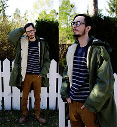 Morris S - Barbed Recycled Army Coat, H&M Corduroy Pants, Roots Boots, We Eyewear Glasses, Mexx Sweater - Call me meh meh