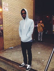 Duane Malcolm - Ray Ban Sunglasses At Night, A.P.C. Pull Over Hoody, Blk Dnm, Adidas Og Gazelles - Les bon temps