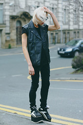 Milex X - Gypsy Warrior Black Vest, Zerouv Black Sunglasses - You came into my crazy world like a cool and cleansing grace