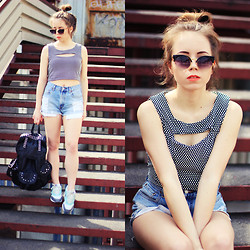 Wioletta Mary Kate - Choies Top, Levi's® Shorts, Modekungen Backpack - Today look 24.04