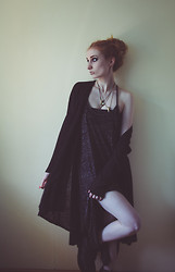 Mel Grotesque - H&M Dress, H&M Cardigan - Schwarz