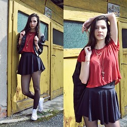 Ioana Illes - H&M Spiked Necklace, Crop Top, Short Skirt, Converse White, Bershka Denim Jacket - Edgy croops