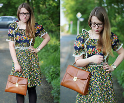Luna Mae -  - Floral 70s dress