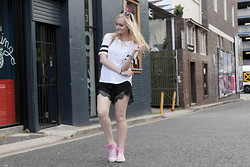 Izzy Bea - I Like Wolves Striped Sleeve Tshirt, One Way Lace Shorts, Converse High Top Sneakers - TO THE STREETS