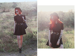 Viktoria Temnova - Letthemstare Dress -  Foals – Milk & Black Spiders