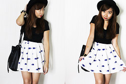 Ems H - New Look Black Cropped Top, Vintage Eye Print Skirt, Lowry's Farm Bucket Bag, Forever 21 Hat - I'm Always Watching