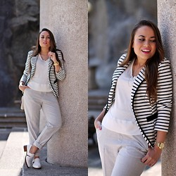 Mondaytofriday Blog - C. Serrano Blazer, Zara Pants, Zara Shoes - Navy