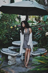 Heliely Bermudez - Lush Floral Dress, Guess? Nude Heels, H&M Coat - LUSH