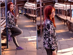 Magdalena R. - Reebok Shoes, Sinsay Jacket - Flower bomber jacket
