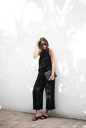 Kaitlyn Ham - Common Projects Leather Pool Slide Sandals, Alexander Wang Prisma Double Envelope Cross Body Bag, Ray Ban Outsiders Oversized Wayfarer Sunglasses, Camilla And Marc Assent High Funnel Neck Top, Shakuhachi Cropped Wide Leg Culottes - Culotte Cool.