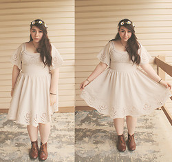 Katie - Billowing White Dress, Ankle Booties, Daisy Crown - Flower Power