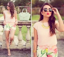 Daniela Ramirez - Ray Ban Sunglasses, Ted Baker Pink Top, Ted Baker Floral Shorts, Ted Baker Yellow Necklace, Ted Baker Mint Bag - Spring in Florals and Pastels!