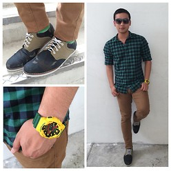 DADA FAB - New Yorker Plaid Shirt, H&M Khaki Pants, Oxygen Military Shoes, Gshock G Shock Watch - Green Minded.