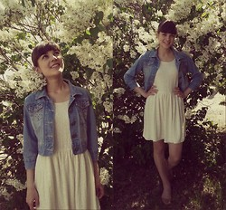 Anastasia M - Pull & Bear Jacquard Dress, Vintage Denim Jacket - Simple