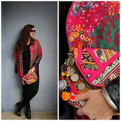 Jana Watermelon - H&M Scarf, The Private Collection Goa Clutch, Zara Leggings, H&M Boots, Zara Leather Jacket, Asos Sunglasses - Boho bag & mixed pattern