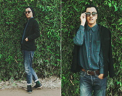 Zailanie Fiqrie Yudhistira - Beskap, Ray Ban Not A Rayban Sunglasses, Chequered Emerald, Elizabeth Brown Belt, Sign In Black Beanie, Worn Out Jeans, Dark Green Socks, Seija Plain Black Shoes - Green