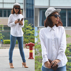 Lydia Teo - Asos Leather Cap, Cotton On Sunglasses, Country Road Blouse, H&M Rings, Fossil Wallet, Cotton On Jeans, Zara Heels - Casual Sports
