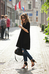Christine R. - Ray Ban Sunglasses, Asos T Shirt Dress, Adriano Goldschmied Jeans, Marc By Jacobs Bag, Céline Sandals - Dress and jeans