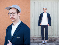Nicolas Bg - Oak Cap, Lacoste Blazer, Lacoste Polo, Lacoste Trouser, Converse Shoes, Voskins Glasses - Casual/Chic for Spring !