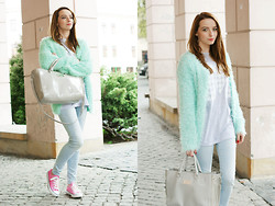 Martyna Janus - Choies Cardigan, Converse - Fluffy & minty