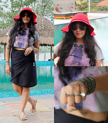 Surbhi Suri - Platinum Mall Crop Tee, Wrap Skirt, Westside Flats, Platinum Mall , Bangkok Spoon Ring, Platinum Mall, Bangkok Floppy Hat, Forever 21 Rad Pendant Necklace, Ray Ban Aviators, Sunnies - All Cropped