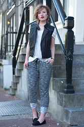 Rowan Reiding - The Sting Sleeveless Leather Jacket Motorcycle Mc Jacket Lola Brood, H&M White Basic Oversized T Shirt Tee, Swaychic Grey Jogger Pants Knit Pants, Vagabond Leroc Loafers Pointy Ponyhair Flats - 05072014