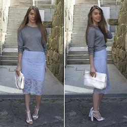 Gintare Hermanaviciute - Zara Lace Pencil Skirt, Zara T Strap Sandals - Burberry Inspired