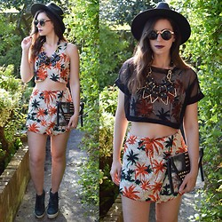 Naomi Rowland - Moxham Necklace, Pretty Little Thing Tropical Co Ord - Orange County