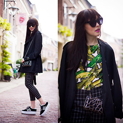 Iris Www.adashoffash.com - Adidas Flatform Trainers, Kpopsicle Trench Coat, Oasap Check Trousers - Mixing prints