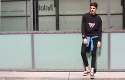 Sam Mü - Vans Shoes, Acne Studios Jeans, Minimum Shirt, Ferallstuff Crewneck - Set it off.