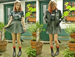 Annie Honey Mac - Romwe Tee, Usc Skirt, Topshop Socks, Dr. Martens Boots, Vintage Jacket - Blood Socks